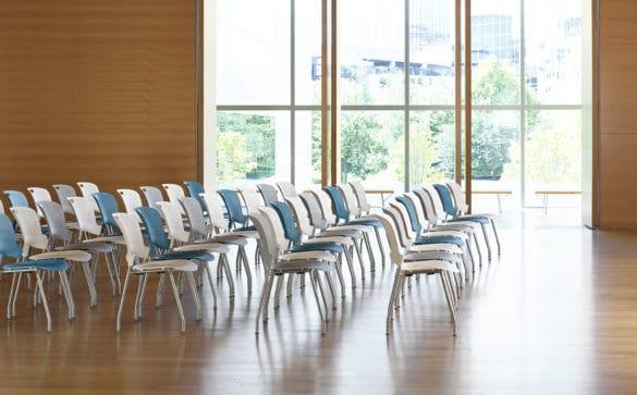 Onde encontrar as cadeiras de auditório?